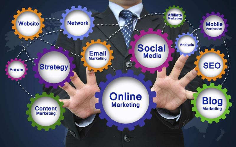 Manuais para colaboradores reforçam o bom uso das redes sociais