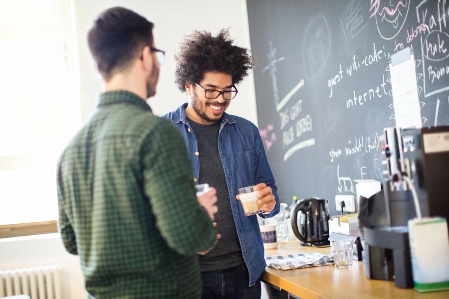 Produtividade pode ser afetada pela falta de bate-papo nos escritórios?