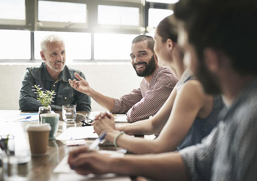 Humor na comunicação de líderes pode ajudar na aproximação com equipes